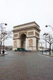 PARIS 10 DE JANEIRO: Lado do sudoeste de Arc de Triomphe em janeiro 10,2013 em Paris Foto de Stock Royalty Free