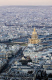 Paris an der Dämmerung von der Spitze Stockbilder