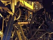 Paris - die Aufzugmechanismen des Eiffelturms stockbild
