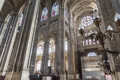 PARIS EGLISE-HELGON EUSTACHE Februari 2018 Inre av kyrkan av helgonet Eustache i Paris, ett mästerverk av gotisk arkitektur royaltyfria foton