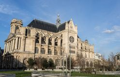 PARIS EGLISE-HELGON EUSTACHE Februari 2018 Yttersida av den kyrkliga nollan Arkivbild