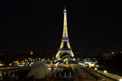 Paris eiffel natt Royaltyfri Fotografi