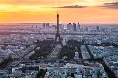 Paris - Eiffel torn, byggnader Fotografering för Bildbyråer