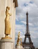 Paris  - Eiffel tower and statue from Trocadera Royalty Free Stock Photography