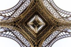 Paris-Eiffelturm am frühen Morgen Lizenzfreies Stockbild