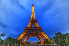 Paris-Eiffelturm nachts Stockfotografie