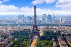 Paris-Eiffelturm und Skylineantenne Frankreich stockfotos