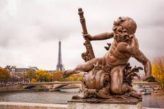 Paris en automne photos libres de droits
