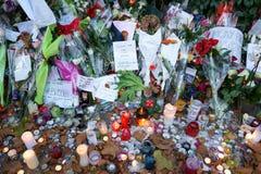Paris en pleurant des massacres de Bataclan Image libre de droits