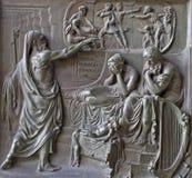 Paris - Entlastung von Madeleine-Kirche - Prophet und König Ahab - Szene des alten Testaments von Jahr 1837 durch M. Triqueti Stockfotografie