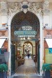 Paris, entrada de Galerie Vivienne, passagens fotografia de stock