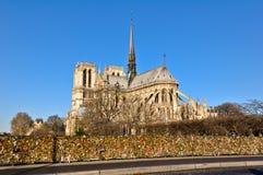 Paris est la ville capitale et plus grande de la France Image stock