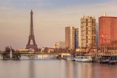 Paris från 'Ponten Mirabeau', Arkivbild