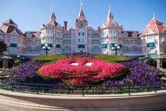 Paris, França 14 de janeiro de 2019: Fanstasyland em Disneyland Paris, cidade feericamente de França fotografia de stock