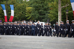 Paris, França - 14 de julho de 2012 Os soldados da legião estrangeira francesa marcham durante a parada militar anual Imagem de Stock Royalty Free