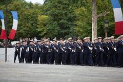 Paris, França - 14 de julho de 2012 Os soldados da legião estrangeira francesa marcham durante a parada militar anual Fotografia de Stock Royalty Free