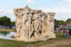 PARIS, FRANÇA - 24 DE JUNHO DE 2017: Escultura sob o título - La joie de vivre Fotografia de Stock Royalty Free