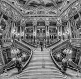 PARIS, FRANÇA - 3 DE MAIO DE 2016: opinião interior de Paris da ópera da escada Imagens de Stock
