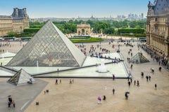 Paris, França - 2 de maio de 2011: Quadrado do Louvre Fotografia de Stock