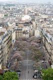 Paris, França - 14 de maio de 2015: Vista da rua em Paris Fotos de Stock
