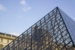 PARIS, FRANÇA - 22 DE MARÇO DE 2016: Vista do Louvre que constrói em Louvr Imagem de Stock