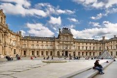 Paris, França 11 de outubro 2017 O Louvre ou o museu do Louvre, i Fotos de Stock