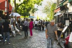 PARIS, FRANÇA - 2 DE OUTUBRO DE 2018: Uma de muitas ruas bonitas mim foto de stock royalty free