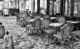 PARIS, FRANÇA - EM DEZEMBRO DE 2012: Arte dis de Montmartre da visita dos turistas Fotografia de Stock
