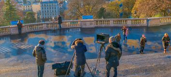 PARIS, FRANÇA - EM DEZEMBRO DE 2012: Visita Montmartre dos turistas O ci Foto de Stock