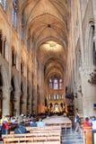 PARIS, FRANÇA, o 23 de abril de 2016 Interior dos detalhes da catedral de Notre Dame Imagem de Stock