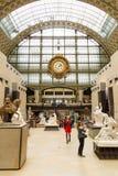 Paris, França, o 28 de março de 2017: O interior do ` do musee d orsay É abrigado no ` anterior Orsay de Gare d, Beaux-artes Imagem de Stock Royalty Free