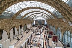 Paris, França, o 28 de março de 2017: O interior do ` do musee d orsay É abrigado no ` anterior Orsay de Gare d, Beaux-artes Imagem de Stock