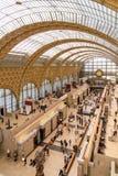 Paris, França, o 28 de março de 2017: O interior do ` do musee d orsay o 12 de setembro de 2015 em Paris É abrigado no anterior Imagem de Stock Royalty Free