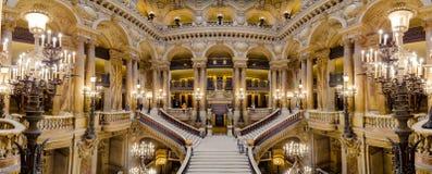 Paris, França, o 31 de março de 2017: Vista interior de Opera de nacional Paris Garnier, França Foi construído desde 1861 a Fotografia de Stock