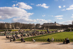 PARIS, FRANCE � MARCH 05, 2014: People enjoying the beginning Royalty Free Stock Photos