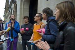 Paris, France - activistas alegres, PS-49171 imagens de stock royalty free