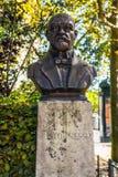 PARIS, FRANCE - 30 AOÛT 2015 : Sculptures en bronze en parc de Paris de personne célèbre Image libre de droits