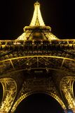 Paris, France - 25 août 2017 : Tour Eiffel dans l'éclairage de nuit photo stock
