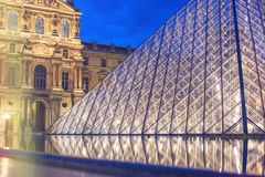 PARIS, FRANCE - 25 AVRIL 2009 : Entrée au National Gallery du Louvre photo stock