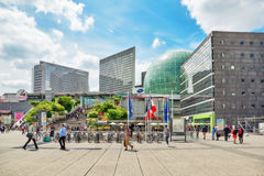 PARIS, FRANCE - 6 JUILLET 2016 : La défense de La, quart d'affaires avec Photos stock