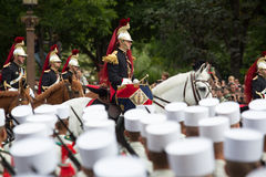 Paris, France - 14 juillet 2012 La garde républicaine française équestre participe au défilé militaire annuel Images stock