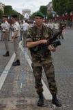 Paris, France - 14 juillet 2012 Le photographe de légionnaire participe au défilé militaire annuel Photos stock