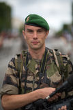 Paris, France - 14 juillet 2012 Le photographe de légionnaire participe au défilé militaire annuel Image libre de droits
