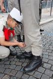 paris france 14 juillet 2012 Les pionniers font des préparations pour le défilé sur le Champs-Elysees à Paris Photo stock