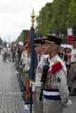 paris france 14 juillet 2012 Les rangs des légionnaires étrangers pendant le temps de défilé sur le Champs-Elysees à Paris Images libres de droits