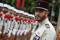 paris france 14 juillet 2012 Pionniers avant le défilé sur le Champs-Elysees à Paris Image stock