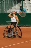 PARIS, FRANCE - 10 JUIN 2017 : La femme de Roland Garros double la roue Photos libres de droits