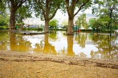 PARIS, FRANCE - 4 juin 2016 : Les plus mauvaises inondations dans un hav de siècle Images libres de droits