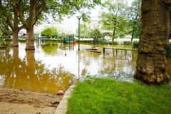 PARIS, FRANCE - 4 juin 2016 : Les plus mauvaises inondations dans un hav de siècle Photographie stock libre de droits