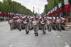 paris france Juli 14, 2012 Legionärer av den franska utländska legionen marscherar under ståta Royaltyfri Foto